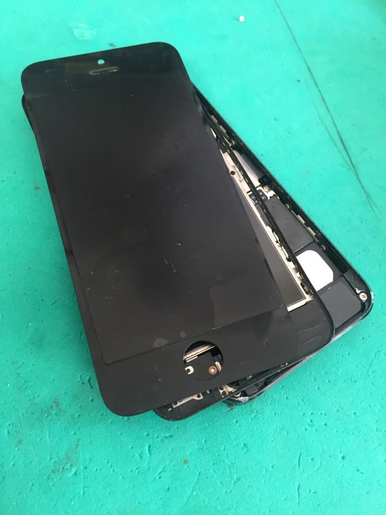 iphone5バラバラ