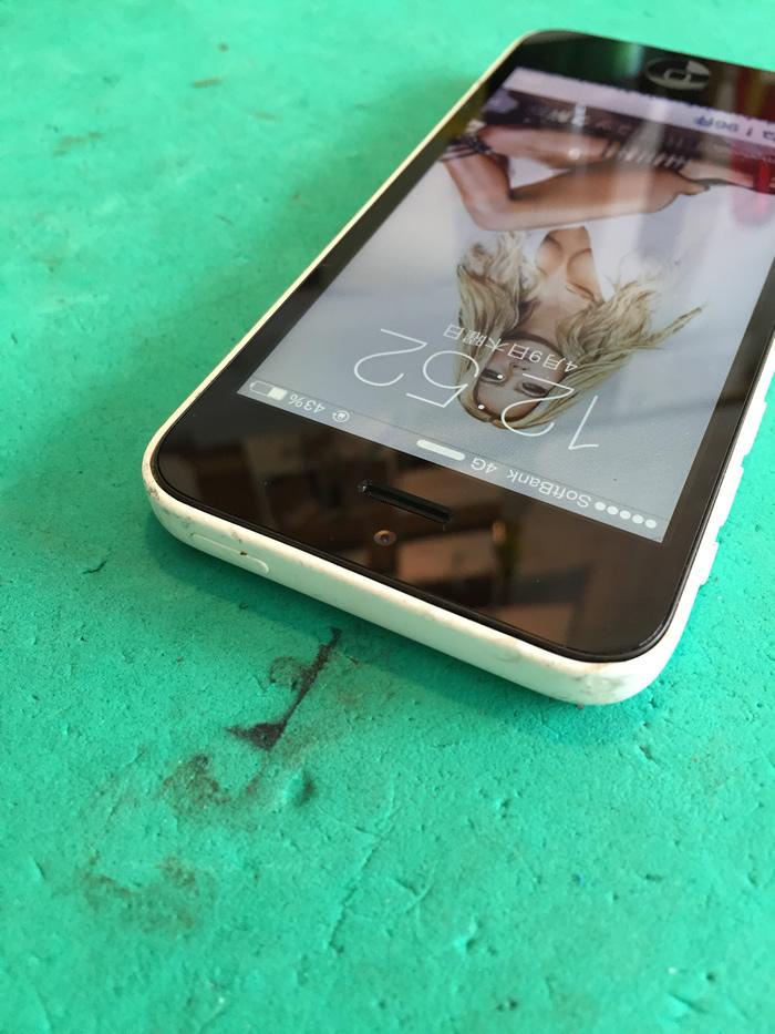 アイフォン5c画面割れ3